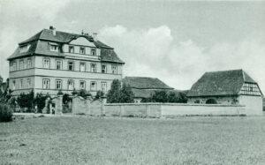 Das Gleusdorfer Rokoko-Schloss war ein beliebtes Motiv für Ansichtskarten. Ansichtskarte 1950er Jahre.